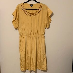 2 for $10 Mustard Mossimo Dress Size XXL